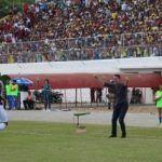 FUTEBOL: Vitória bate fácil o Jequié por 5 a 1 e assume liderança do Baianão