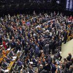 POLÍTICA: Em meio a casos de corrupção, PT, MDB, PSDB e PP perdem filiados