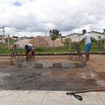 VOCÊ REPÓRTER: Moradores da Lagoa das Flores tapam buracos por conta própria