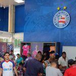 ESPORTE: Loja oficial do Bahia esgota camisas em 4 horas na inauguração