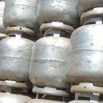 ECONOMIA: Governo quer reduzir pela metade o preço do gás de cozinha, diz Guedes