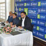CONQUISTA: Herzem não vai a coletiva de imprensa; mas prefeitura diz que a cidade não ficará sem ônibus – Ouça a coletiva