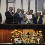 CASA DO AMOR: Carminha recebe Comenda 2 de Julho na Assembleia Legislativa