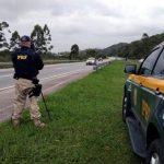 Bolsonaro suspende fiscalização por radares móveis em rodovias