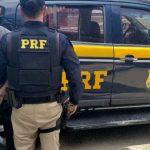 POLÍCIA: Acusado de crimes, homem é preso dentro de ônibus pela PRF