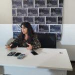 """CULTURA:  """"Show de hoje é dedicado a minha vó, Lúcia Rocha"""" diz Ava Rocha em Conquista"""