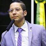 Deputado Igor Kannário é acusado de agressão por piscineiro que trabalhava em sua casa