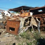 VOCÊ REPÓRTER: Moradores do Santa Terezinha reclamam de lixo e sucatas as margens da BR