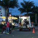 Acidente entre moto e carro deixa uma pessoa ferida na Avenida Bartolomeu de Gusmão