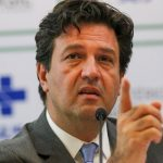 Datafolha: Para 64% dos brasileiros, Bolsonaro 'agiu mal' ao demitir Mandetta