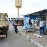 CEASA: Fiscais da prefeitura retiram barracas de comerciantes e colocam mercadorias no chão OUÇA