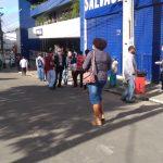 CONQUISTA: Fila e movimentação de pessoas para saque do auxílio emergencial nesta quarta-feira VEJA