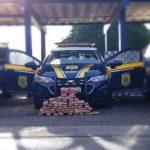 URGENTE: Casal de traficantes é preso na BR 116 transportando 60 barras de maconha escondidas em fundo falso de veículo