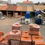 O povo de Conquista fala: Ladrão rouba telhas e grades em construção no bairro Urbis 5; confira na reportagem com João Melo