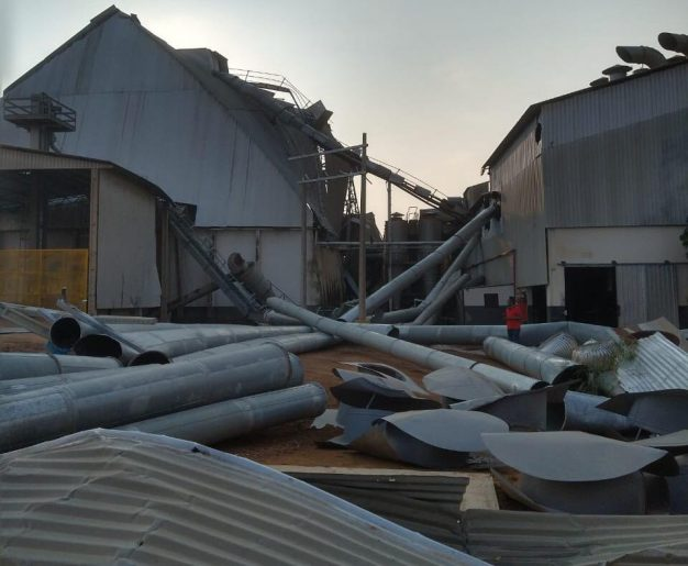 BAHIA: Chuva de granizo danifica telhados de 80 casas em Luís Eduardo  Magalhães ASSISTA - Blog do Redação