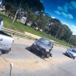 URGENTE: Carro e moto se envolvem em acidente na entrada do bairro Conveima ASSISTA