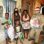 CONQUISTA: Patrulha Solidária surpreende garoto que pediu ceia e cesta básica em carta de Natal
