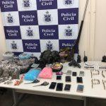BAHIA: Mulheres são presas após serem flagradas na casa de suspeito de tráfico de drogas