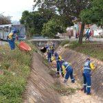 CONQUISTA: Prefeitura realiza limpeza em canais de drenagem