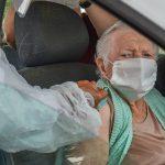 CONQUISTA: Vacinação com a 1ª dose dos idosos a partir de 80 anos será retomada na tarde de sexta (12)