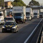 Após nova alta do diesel, caminhoneiros voltam a falar em greve