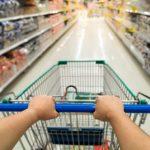 O povo de Conquista fala: Está cada dia mais difícil encher o carrinho do mercado; Reclamam consumidores