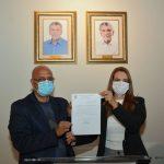 Prefeita Sheila Lemos sanciona lei oficializa o nome da nova estação de transbordo como Herzem Gusmão Pereira