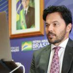 Ministro das Comunicações critica artistas e políticos que lamentam mortes por Covid-19