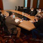 Prefeita e vereador Nildo Freitas discutem ensino de Libras aos Guardas Municipais