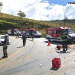 URGENTE: Bombeiros retiram vítima presa em ferragens em acidente na Serra do Marçal