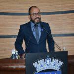 Orlando Filho destaca articulação para regulamentar cargos da Educação